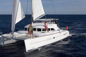 Location catamaran en Corse - Lagoon 380 - Tao